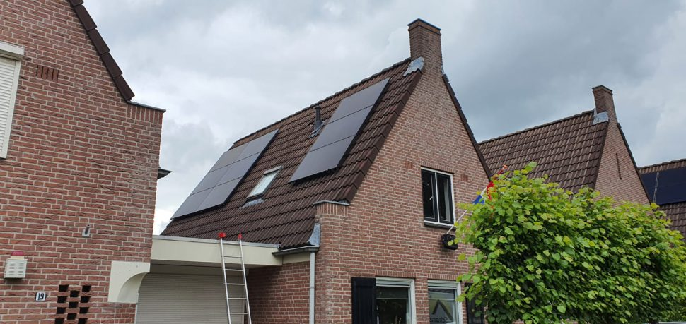 Zonnepanelen Enschede installatie